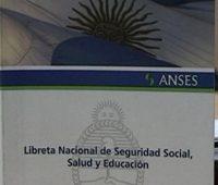 ANSES analiza eliminar la libreta anual de la Asignación Universal por Hijo